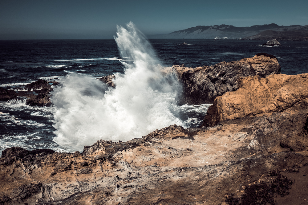 Bodega Bay Sonoma Coast - Duncan's Landing Overlook - Crashing Waves