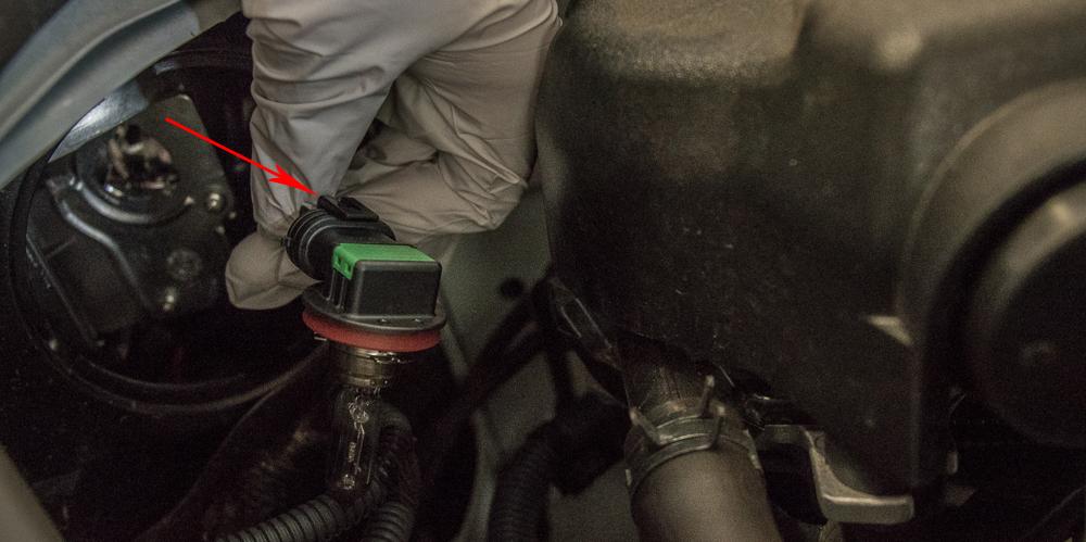 4Runner LED Headlight Install - Disconnect Bulb