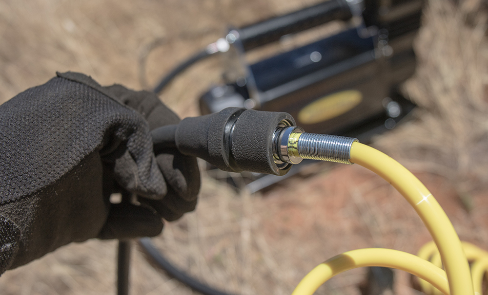 Connect Air Hose to Pressure Gauge