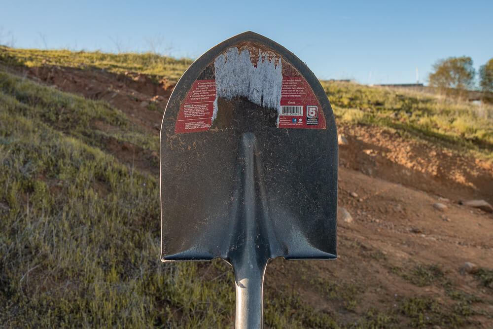Full-Length Off-Road Shovel by Bond