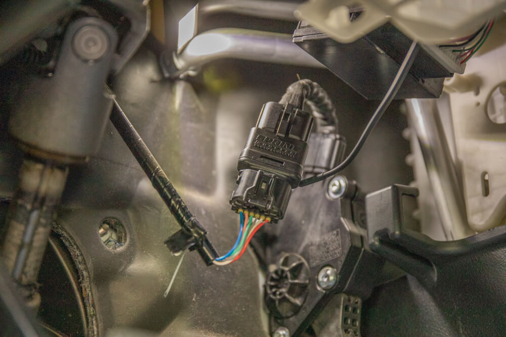 Connect a sprint booster to the pedal
