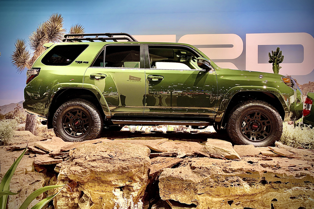 2020 4Runner TRO Pro at The LA Auto Show: First Glance and Overall Thoughts of the Gen 5 Tailout: Thoughts on the new green body color on the 4Runner?