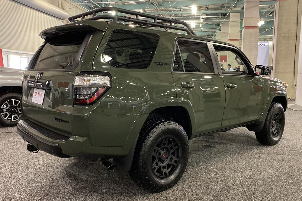 2020 4Runner Features & Upgrades Review at the Sacramento Auto Show