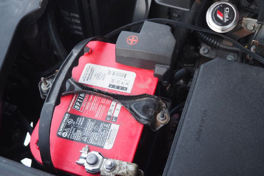 Winter Soldier: Living with a 5th Gen 4Runner in Extreme Cold: Battery Upgrade
