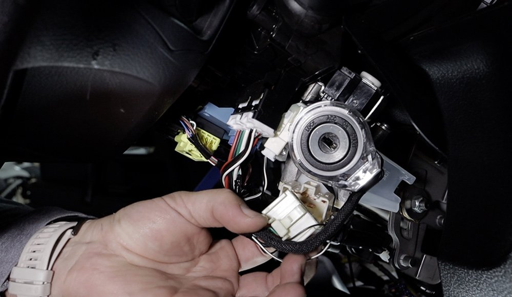 12V Solutions Remote Start Install and Review For the 5th Gen 4Runner: Step 2. Install Wiring Harness