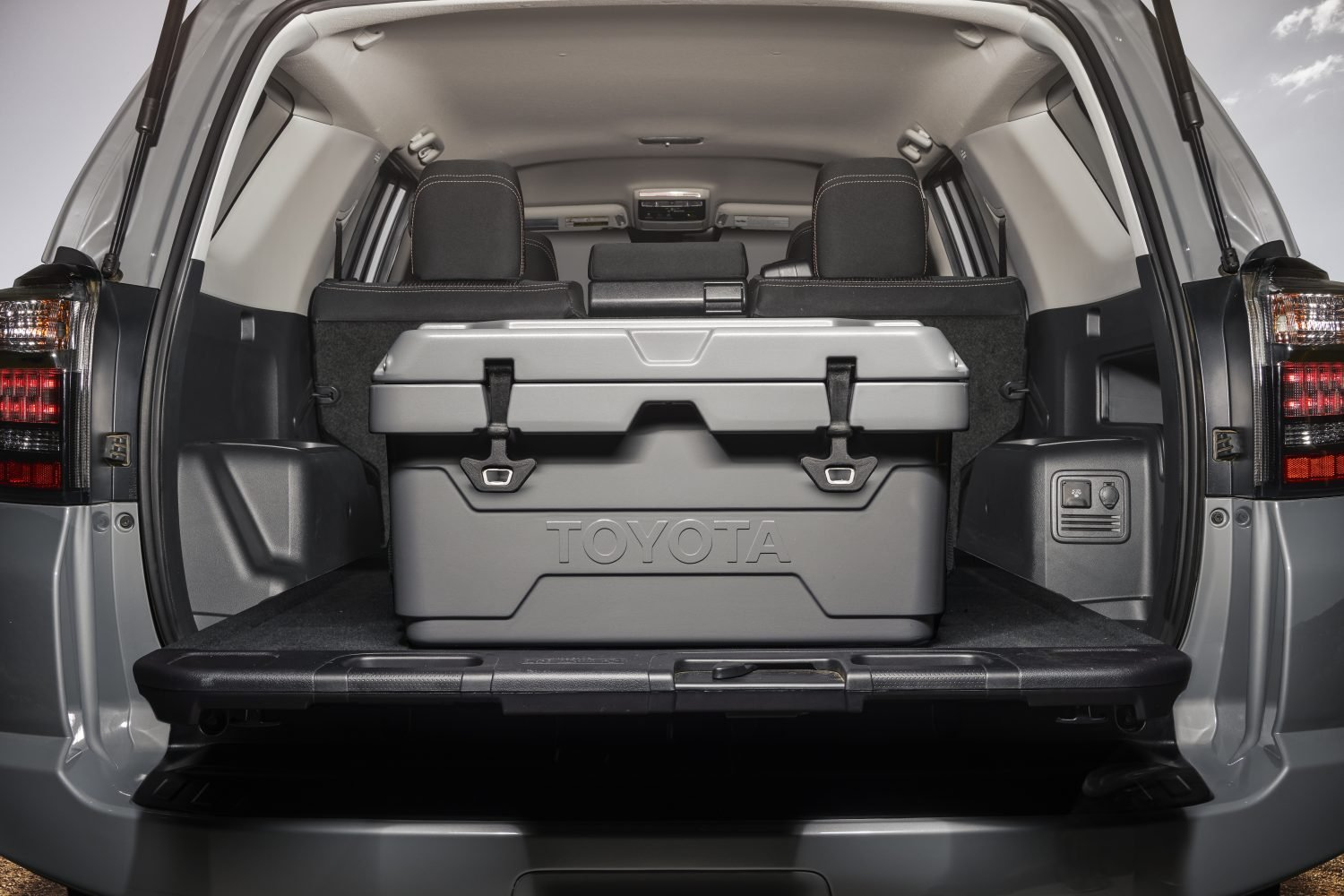 Trail Special Edition 4Runner - New 40qt Cooler