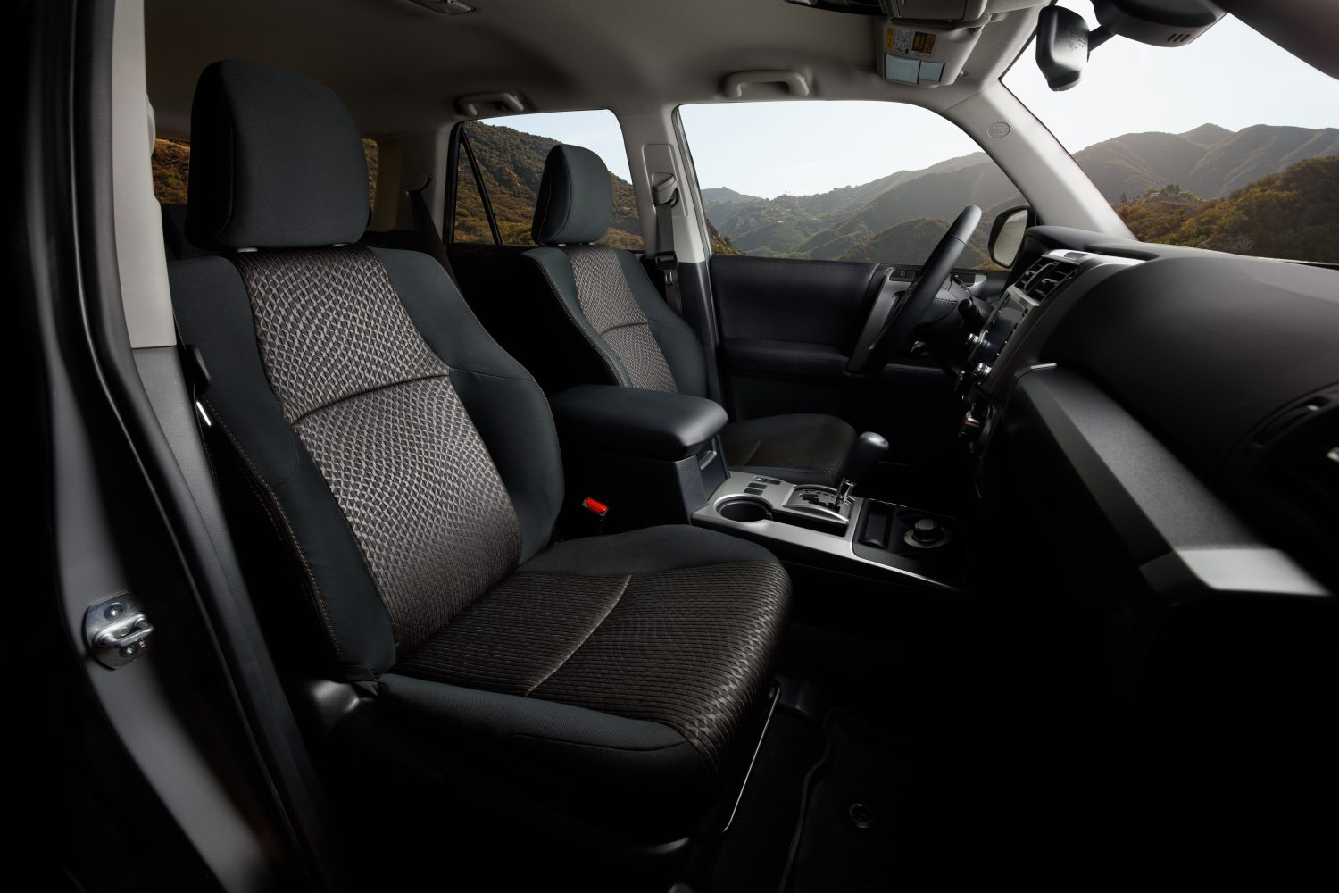 Trail Special Edition 4Runner - Tan Stitching