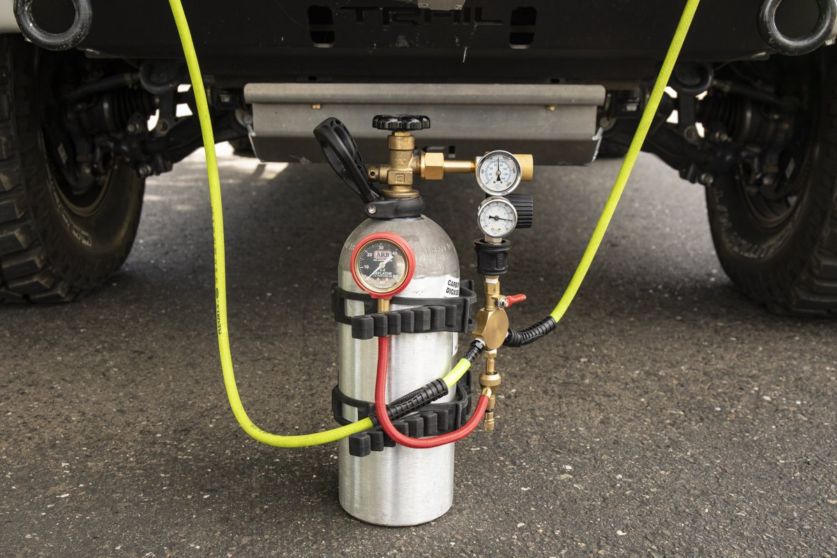 DIY CO2 Tank for Airing Up Tires