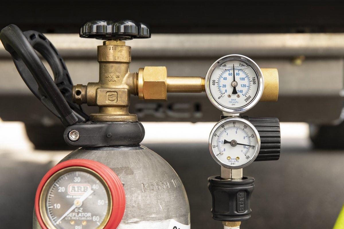 DIY CO2 Tank with Dual (Adjustable) Regulators