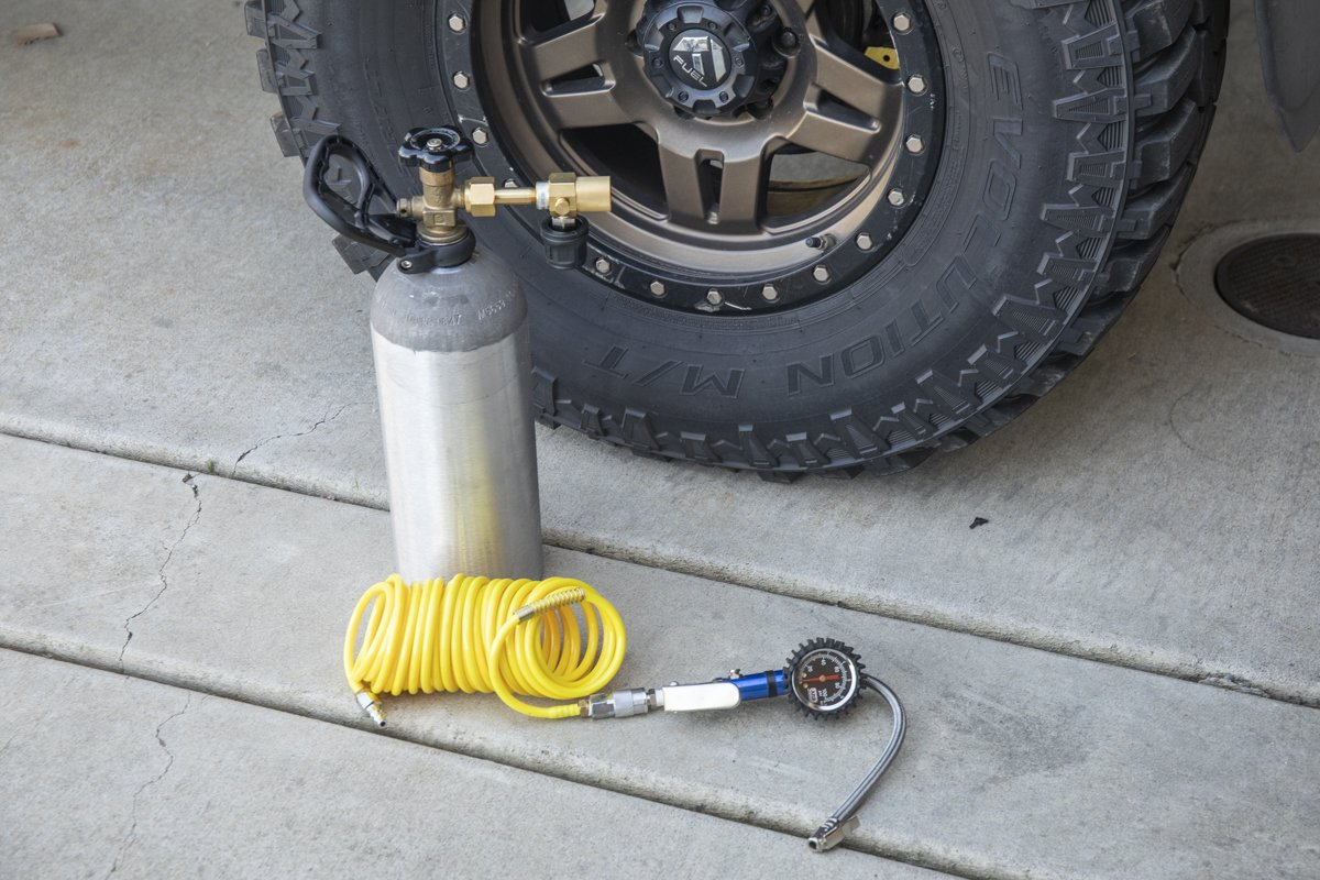 Basic Coiled Hose for Airing Up Tires