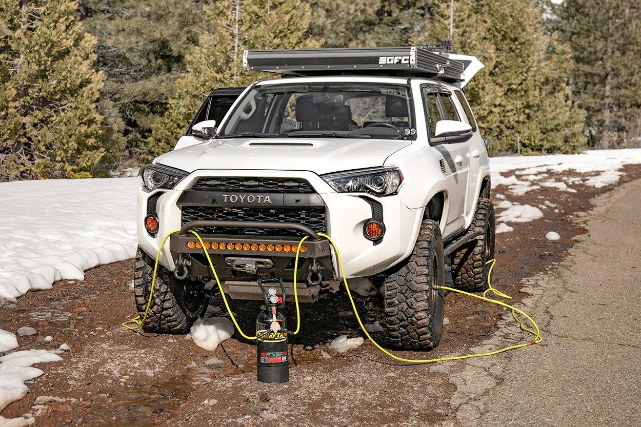 """Power Tank - XP400 CO2 Tank for Tires on 4Runner 35"""" Tires"""