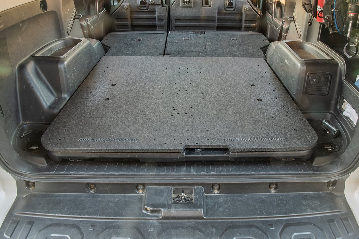Set the gear plate on top of the cargo tray