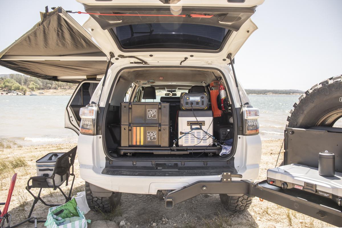 Charging Fridge Offroad with Safari LT
