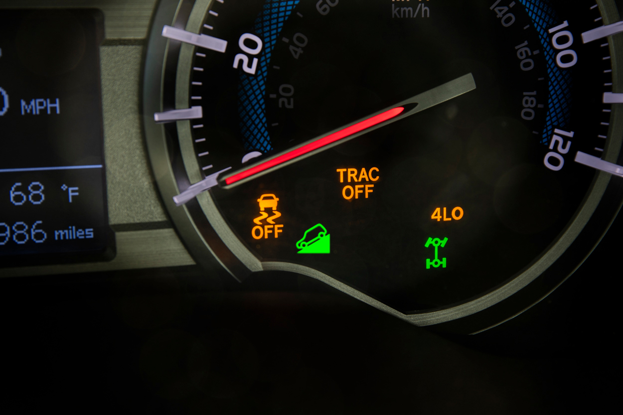 Downhill Assist Control (DAC) System Indicator
