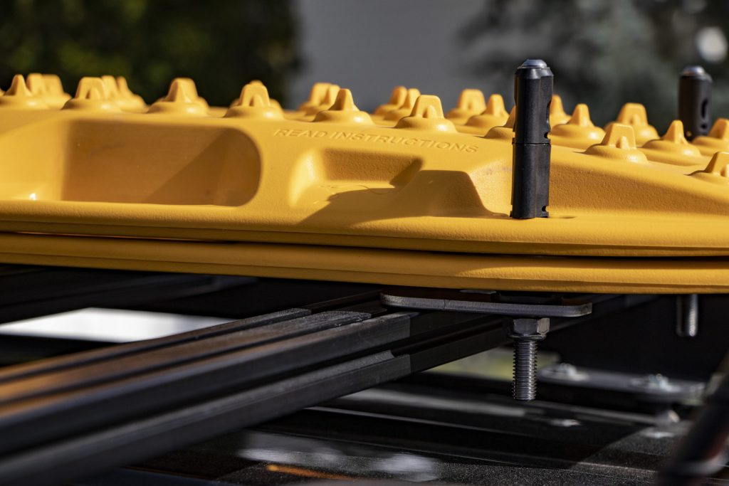 Maxtrax Mounting Solutions for Prinsu Design Studios Roof Rack