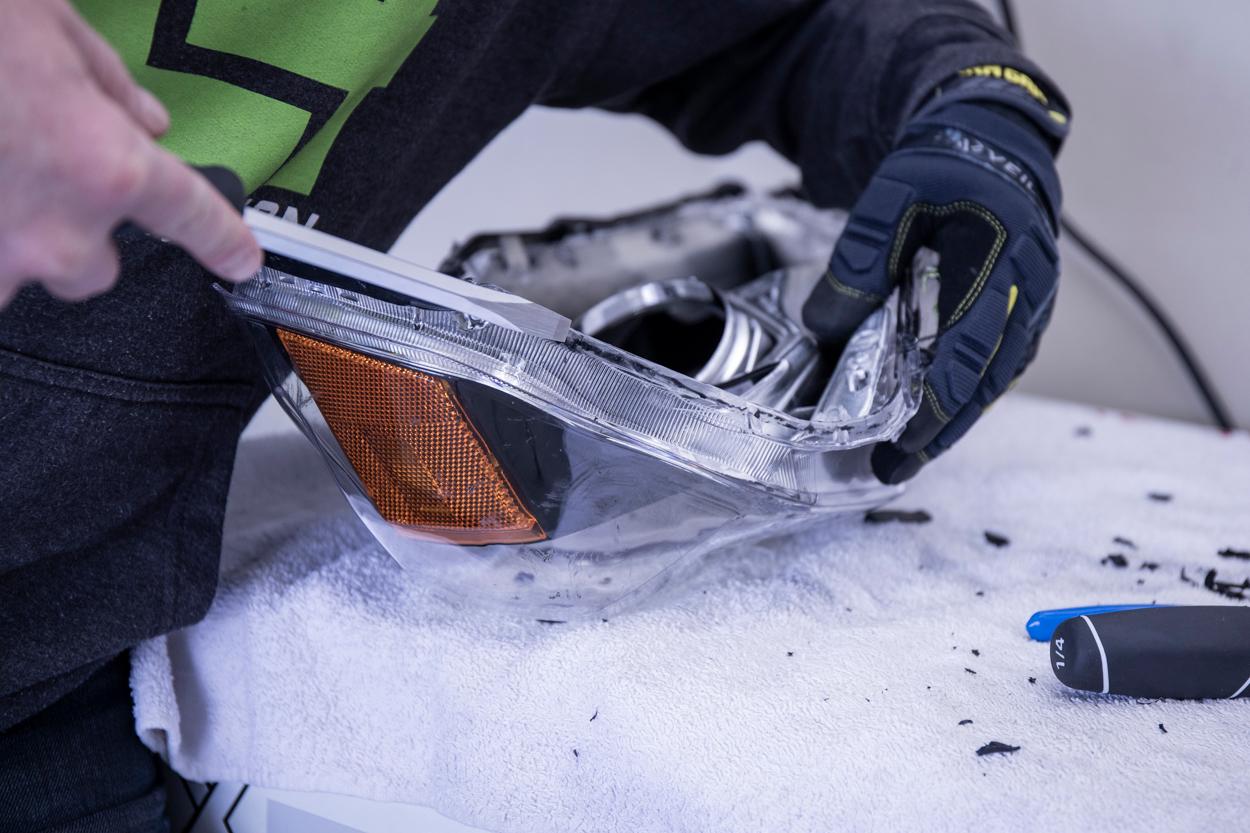 Clean Permaseal (Heatgun & Screwdriver)