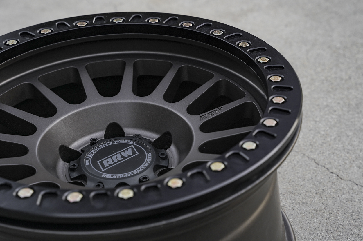 """RR6-H (Hybrid Beadlock) 17"""" Off-Road Wheels for Toyota Tacoma and 4Runner"""