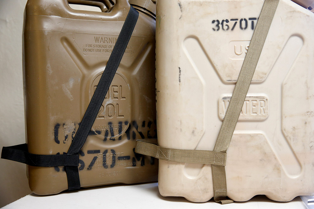 Jerry Can Pouring Grab Straps