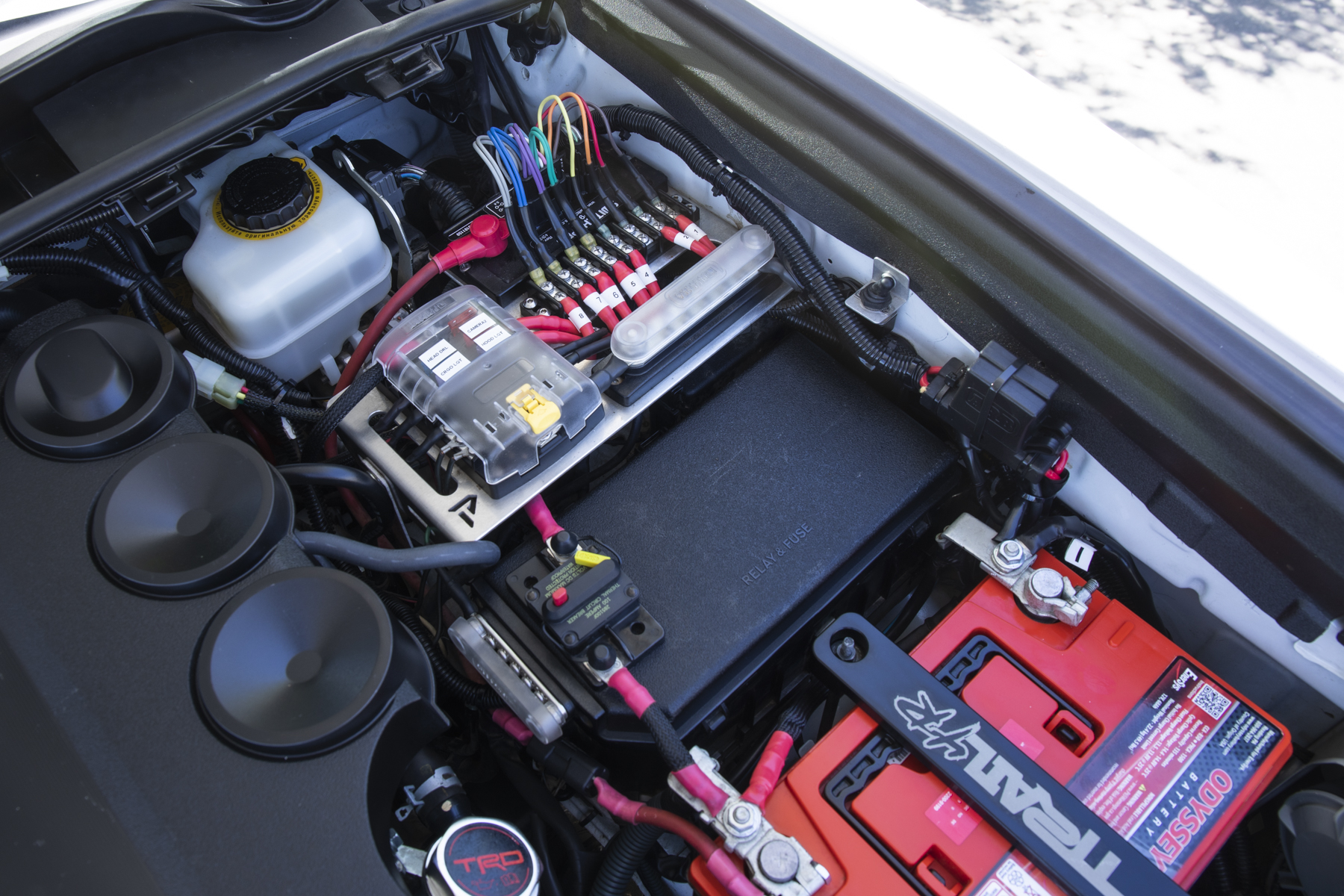 Power & Switch System on Toyota 4Runner (Clean Wiring Install)