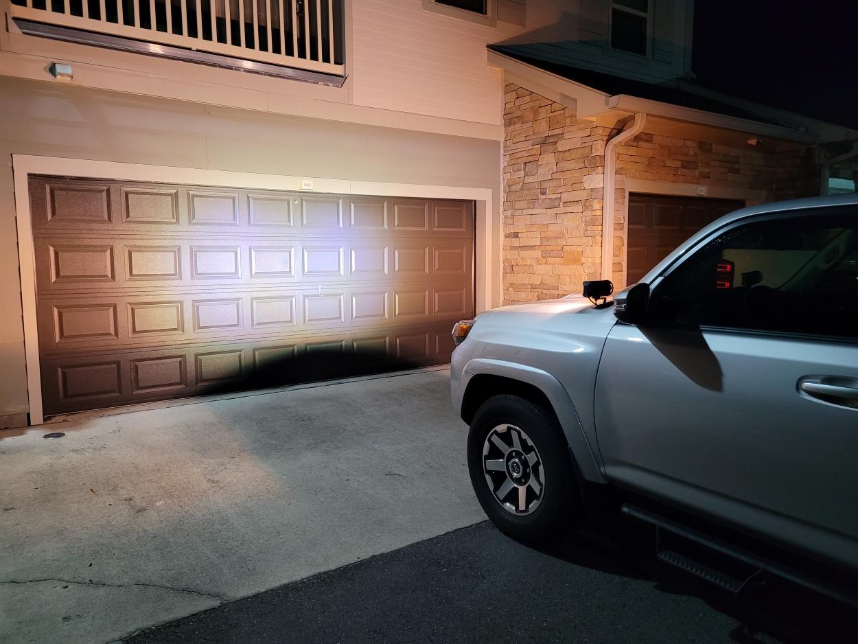 Boslla 7 Inch LED Light Bar - White + Yellow Light